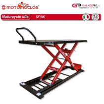 Pont ciseaux moto usage professionnel SF600 Motomoclos d'une capacité de 600kg par Garagepro.ch vue de trois-quart